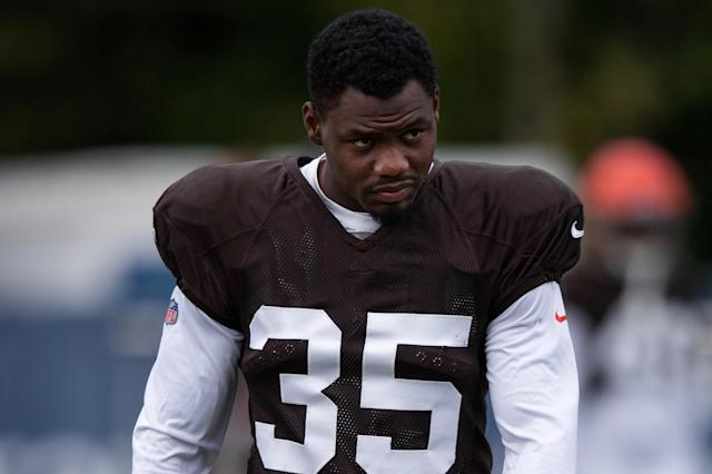 "The Raiders worked out <a class=""link rapid-noclick-resp"" href=""/nfl/players/28801/"" data-ylk=""slk:Jermaine Whitehead"">Jermaine Whitehead</a> after he was cut in Cleveland for making death threats on Twitter. (Zach Bolinger/Icon Sportswire via Getty Images)"