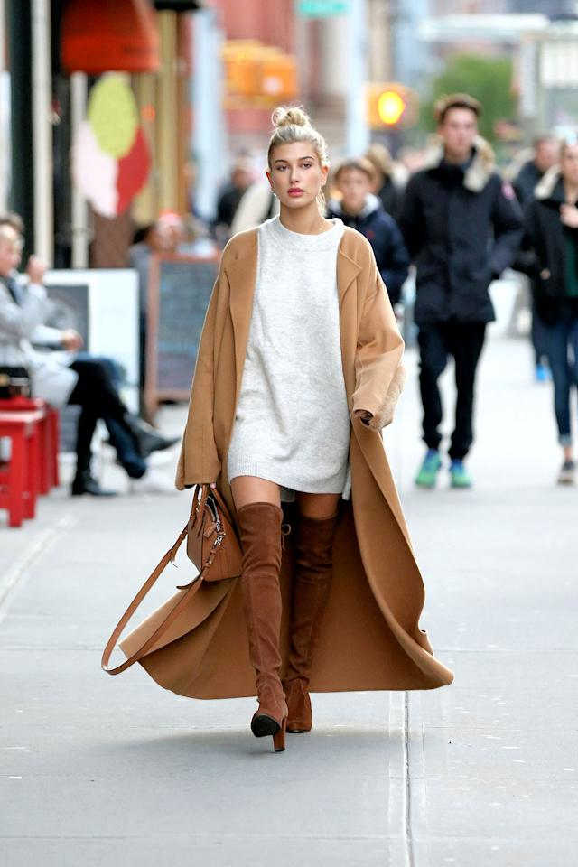 <h2>Cozy Frocks</h2>                                                                                                                                                                             <p><p>Model Hailey Baldwin in New York City.</p>                                                                                                                                                                               <h4>Splash News</h4>