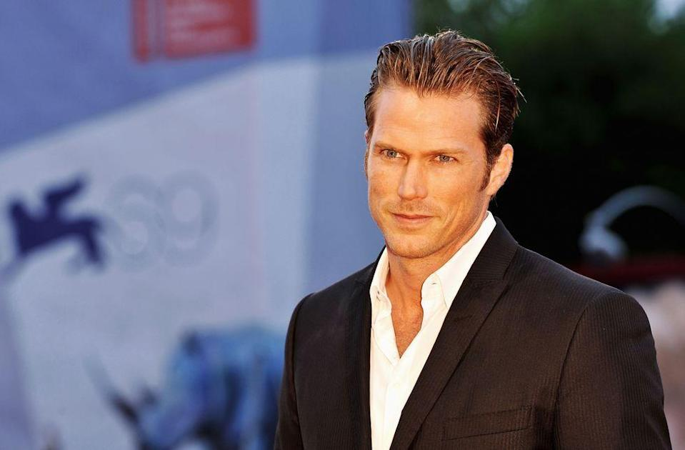 """<p>Jason Lewis, who played Samantha's hot boyfriend Smith Jerrod, admitted in an interview that <a href=""""https://www.elle.com/culture/movies-tv/a18697732/jason-lewis-sarah-jessica-parker-kim-cattrall-feud/"""" rel=""""nofollow noopener"""" target=""""_blank"""" data-ylk=""""slk:he is Team Carrie"""" class=""""link rapid-noclick-resp"""">he is Team Carrie</a>. When he was asked <span class=""""redactor-unlink"""">by a KTLA anchor</span> whose side he was on, he said, """"Listen, I have to say that Sarah was always just so lovely and such a consummate professional and I think that people should remember their graciousness and the things that have been given to them. And I'm going to stop there. Because I've got nothing good to say.""""</p><p>When the anchor pressed on and said, """"If there's a team Sarah or a team Kim, my sense is you're on team Sarah?"""" he replied, """"I might just have to say yeah. What a gracious lady. She was always so good to me.""""</p>"""