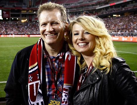 PIC: Drew Carey Rebounds With Sexy Blonde After Cancelled Engagement