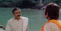 In one of the rare few Hindi films of its time that spoke of caste atrocities, Pran plays a vociferous cobbler who doesn't take casteist remarks lying down.