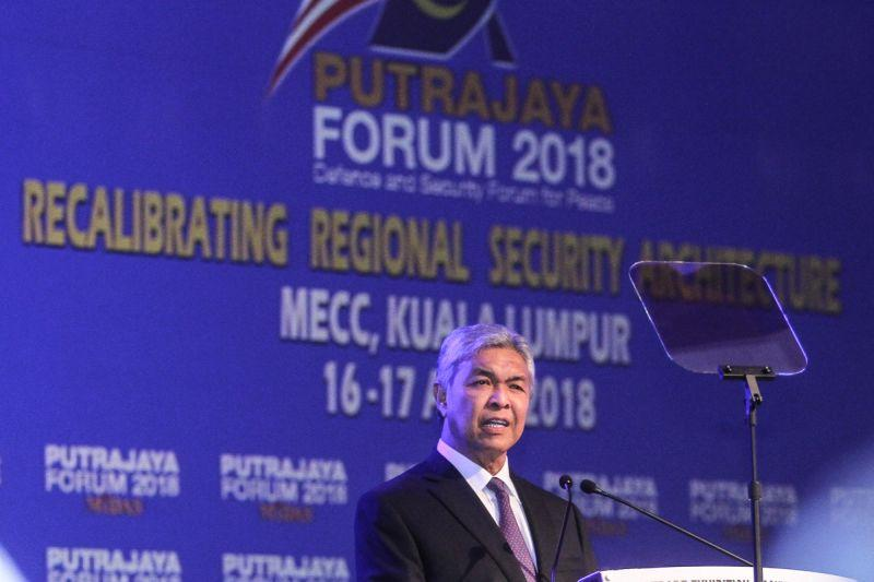 Zahid: Govt's move to contain fake news during GE14 not to silence critics
