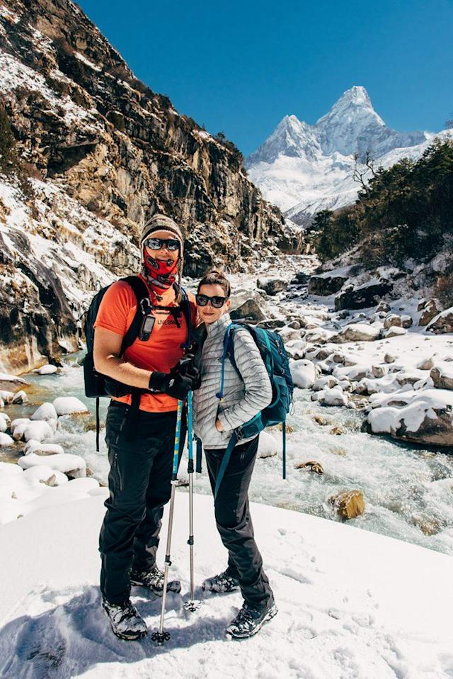 Sissom and Schmieder hiking to their wedding site. (Photo: Charleton Churchill/Caters News)