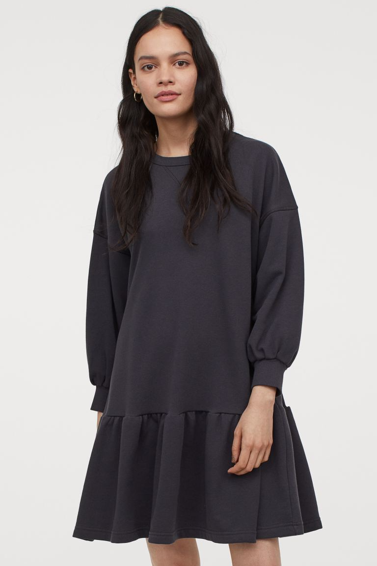 "<br><br><strong>H&M</strong> Sweatshirt Dress, $, available at <a href=""https://go.skimresources.com/?id=30283X879131&url=https%3A%2F%2Fwww2.hm.com%2Fen_us%2Fproductpage.0903096002.html"" rel=""nofollow noopener"" target=""_blank"" data-ylk=""slk:H&M"" class=""link rapid-noclick-resp"">H&M</a>"