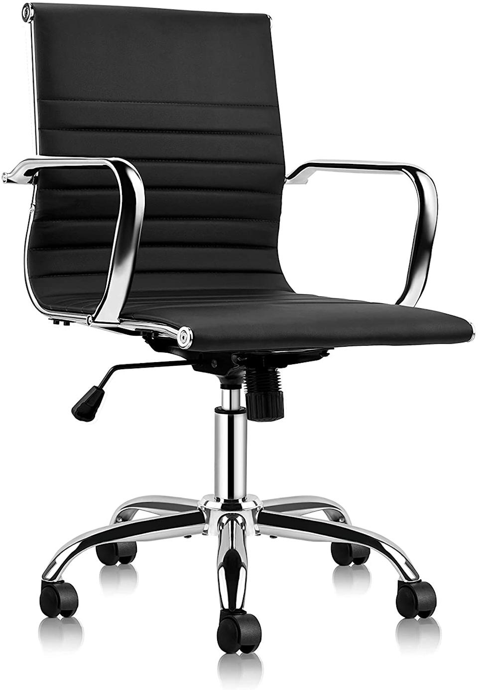 Mastery Mart Mid-Back Office Chair (Photo via Amazon)