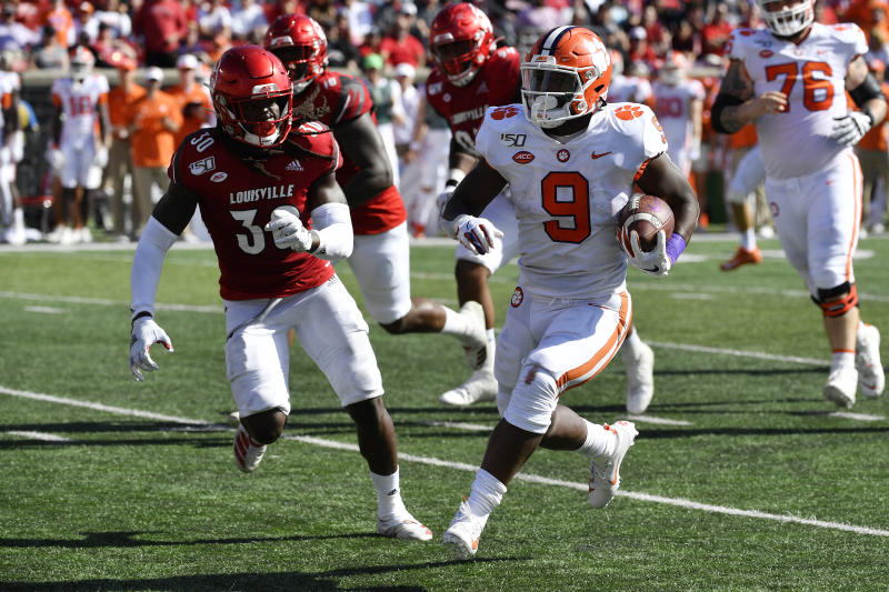 Lawrence leads No. 3 Clemson to 45-10 rout of Louisville