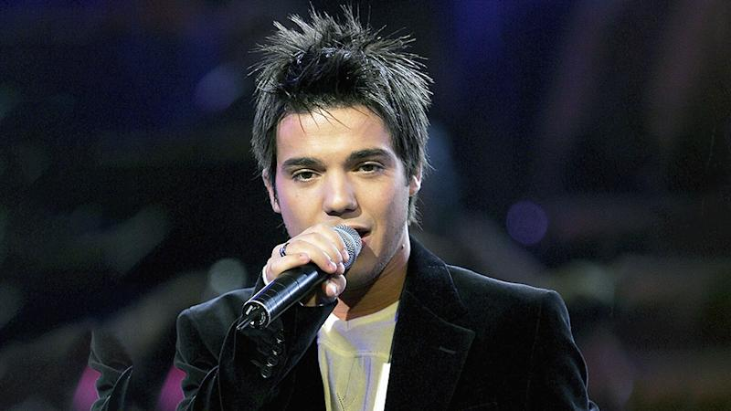 Anthony Callea performs on Australian Idol 2004