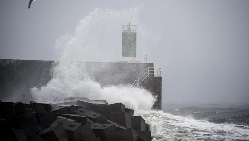 Storm Fabien slaps the French coast this weekend