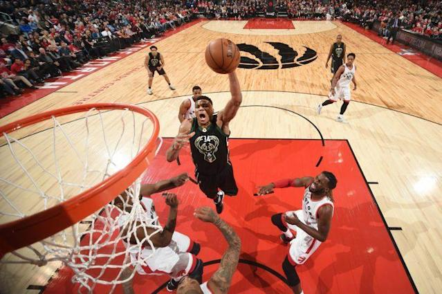 """<a class=""""link rapid-noclick-resp"""" href=""""/nba/players/5185/"""" data-ylk=""""slk:Giannis Antetokounmpo"""">Giannis Antetokounmpo</a> soared over Raptors defenders on multiple occasions. (Getty)"""