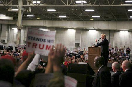 U.S. Republican presidential candidate Donald Trump speaks at a campaign event at the Indiana State Fairgrounds in Indianapolis, Indiana April 20, 2016.  REUTERS/Aaron P. Bernstein