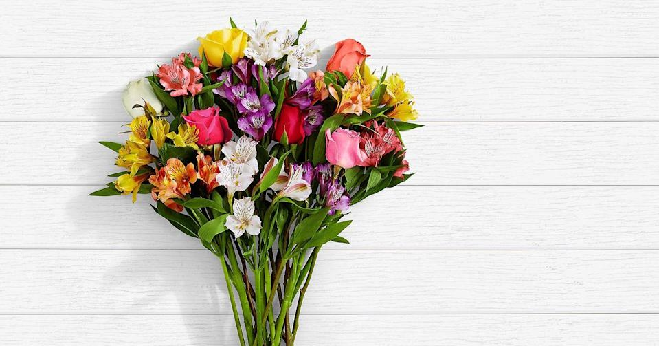 "<p>Looking for a cheap option? Among the enormous selection of fresh stems, ProFlowers has a section on their website dedicated to <a href=""https://go.redirectingat.com?id=74968X1596630&url=https%3A%2F%2Fwww.proflowers.com%2Fflowers-and-gifts-under-50-b80&sref=https%3A%2F%2Fwww.oprahmag.com%2Flife%2Fg32053111%2Fbest-flower-delivery-services%2F"" rel=""nofollow noopener"" target=""_blank"" data-ylk=""slk:blooms and gifts under $50"" class=""link rapid-noclick-resp"">blooms and gifts under $50</a>. The <a href=""https://go.redirectingat.com?id=74968X1596630&url=https%3A%2F%2Fwww.proflowers.com%2Fproduct%2Fsmiles-sunshine-prd-30007596&sref=https%3A%2F%2Fwww.oprahmag.com%2Flife%2Fg32053111%2Fbest-flower-delivery-services%2F"" rel=""nofollow noopener"" target=""_blank"" data-ylk=""slk:&quot;Flowers and Sunshine&quot; bouquet"" class=""link rapid-noclick-resp"">""Flowers and Sunshine"" bouquet</a> pictured is only $40, as are the <a href=""https://go.redirectingat.com?id=74968X1596630&url=https%3A%2F%2Fwww.proflowers.com%2Fproduct%2Fred-rose-bouquet-prd-FRR4%3F0%3Dred-rose-bouquet%261%3D-prd-%26gbb%3DFE81%26id%3DFRR4&sref=https%3A%2F%2Fwww.oprahmag.com%2Flife%2Fg32053111%2Fbest-flower-delivery-services%2F"" rel=""nofollow noopener"" target=""_blank"" data-ylk=""slk:bouquet of a dozen red roses"" class=""link rapid-noclick-resp"">bouquet of a dozen red roses</a>, and more.</p><p><a class=""link rapid-noclick-resp"" href=""https://go.redirectingat.com?id=74968X1596630&url=https%3A%2F%2Fwww.proflowers.com%2Fflowers-and-gifts-under-40-fcw&sref=https%3A%2F%2Fwww.oprahmag.com%2Flife%2Fg32053111%2Fbest-flower-delivery-services%2F"" rel=""nofollow noopener"" target=""_blank"" data-ylk=""slk:SHOP NOW"">SHOP NOW</a></p>"