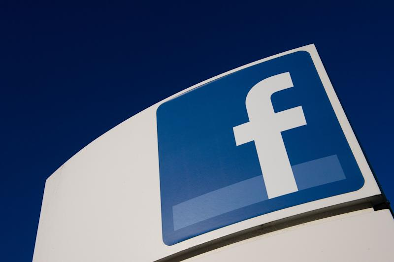 Facebook Identifies Iranian, Russian Influence Campaigns