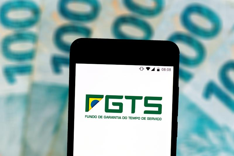 BRAZIL - 2019/07/24: In this photo illustration a Service Guarantee Fund (FGTS) logo seen displayed on a smartphone. (Photo Illustration by Rafael Henrique/SOPA Images/LightRocket via Getty Images)