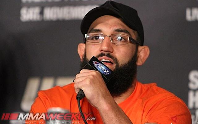 """Johny Hendricks Says His """"Knee is Fine,"""" Doesn't Expect to be Sidelined Until 2014"""