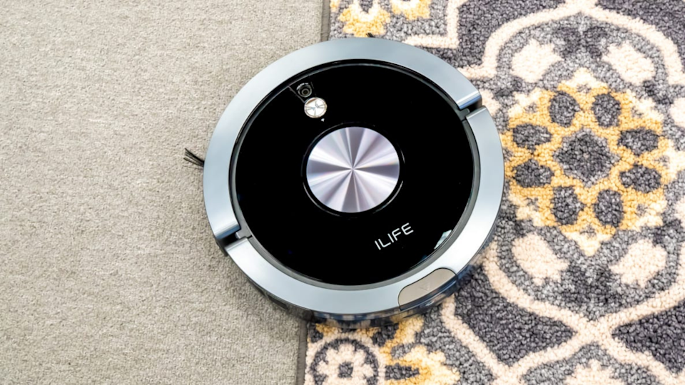 You can start and stop the iLife using a smartphone app, but for those who don't use smartphones, it includes a remote that is as straightforward as a DVD player remote.