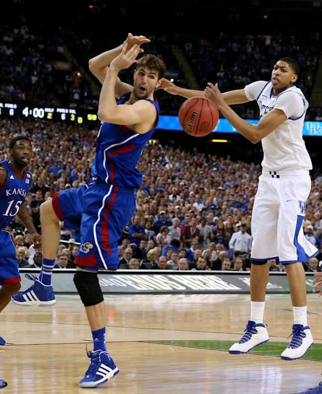 Jeff Withey #5 of the Kansas Jayhawks is unable to catch the ball in front of Anthony Davis #23 of the Kentucky Wildcats in the second half in the National Championship Game of the 2012 NCAA Division I Men's Basketball Tournament at the Mercedes-Benz Superdome on April 2, 2012 in New Orleans, Louisiana. (Photo by Jeff Gross/Getty Images)