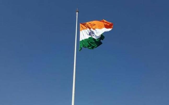 India hoists tallest tricolour at Attari, Pakistan fears it could be used for 'spying'