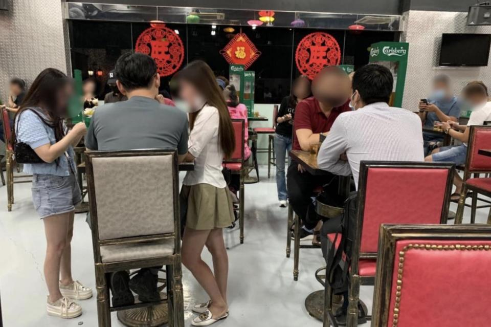 Food establishment Shanghai at 8 Ubi Road 2 was ordered to close for 10 days for allowing patrons to be seated in groups larger than the permitted size, failing to ensure a safe distance between seated patrons, ensuring masks were worn by staff and patrons, and playing pre-recorded music at the premises. (PHOTO: Singapore Food Agency)