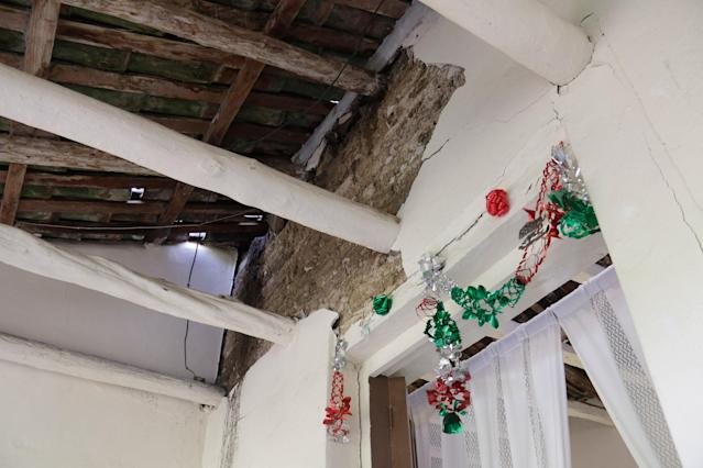 <p>A house is seen damaged after a 8,2 earthquake in Chiapa de Corzo, Chiapas, Mexico on Sept. 8, 2017. (Photo: Stringer/Anadolu Agency/Getty Images) </p>