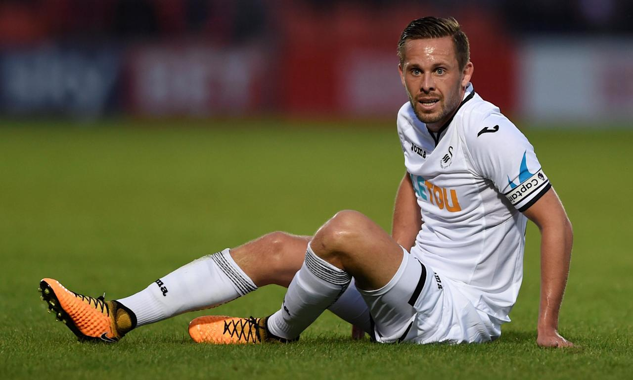 Gylfi Sigurdsson remains at the centre of transfer negotiations between his club Swansea City and Everton.