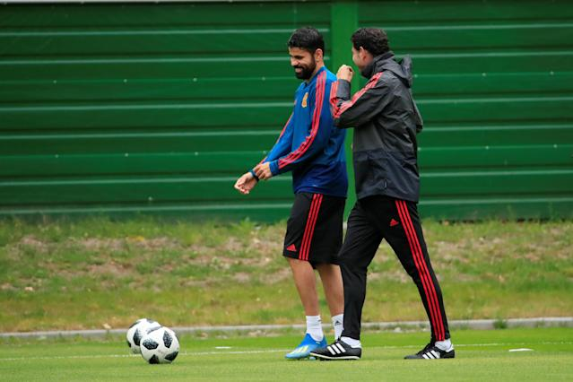 Soccer Football - World Cup - Spain Training - Spain Training Camp, Kaliningrad, Russia - June 24, 2018 Spain's Diego Costa with coach Fernando Hierro during training REUTERS/Gonzalo Fuentes