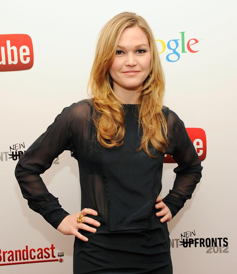 "Fresh off a season-long role on ""Dexter,"" <b>Julia Stiles </b>was looking to keep the intense-TV-drama thing going with NBC's ""Midnight Sun."" a thriller that cast her as a FBI specialist who investigates the disappearance of a creepy Alaskan cult. The CW's ""Cult"" made it onto that network's midseason schedule, but Stiles' similarly themed project ended up DOA."