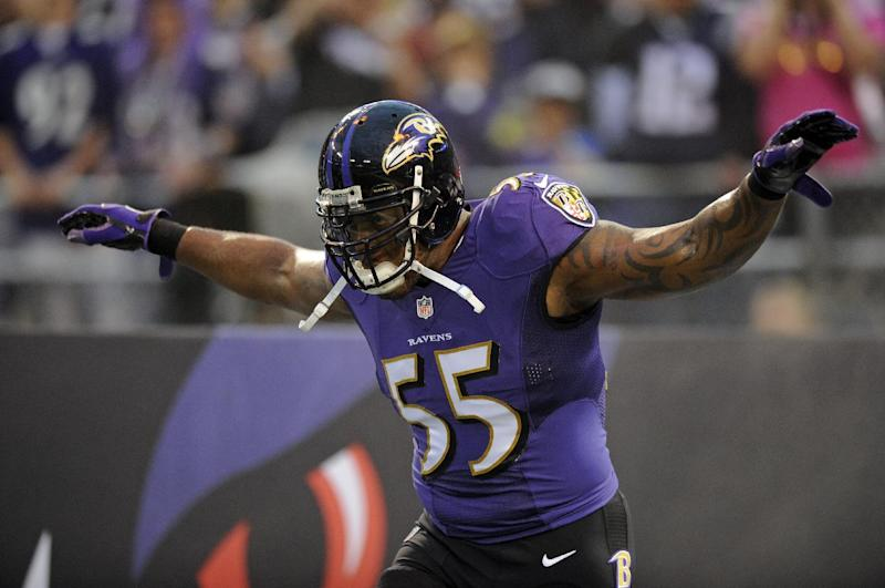 OLB Suggs signs 4-year extension with Ravens