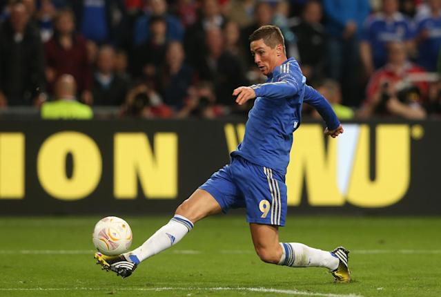 AMSTERDAM, NETHERLANDS - MAY 15: Fernando Torres of Chelsea runs through to score the opening goal during the UEFA Europa League Final between SL Benfica and Chelsea FC at Amsterdam Arena on May 15, 2013 in Amsterdam, Netherlands. (Photo by Scott Heavey/Getty Images)