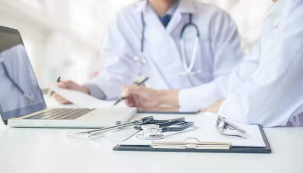 The New Brunswick Medical Society has released a 45-page report that includes recommendations on how to improve the province's health-care system.  (Shutterstock - image credit)
