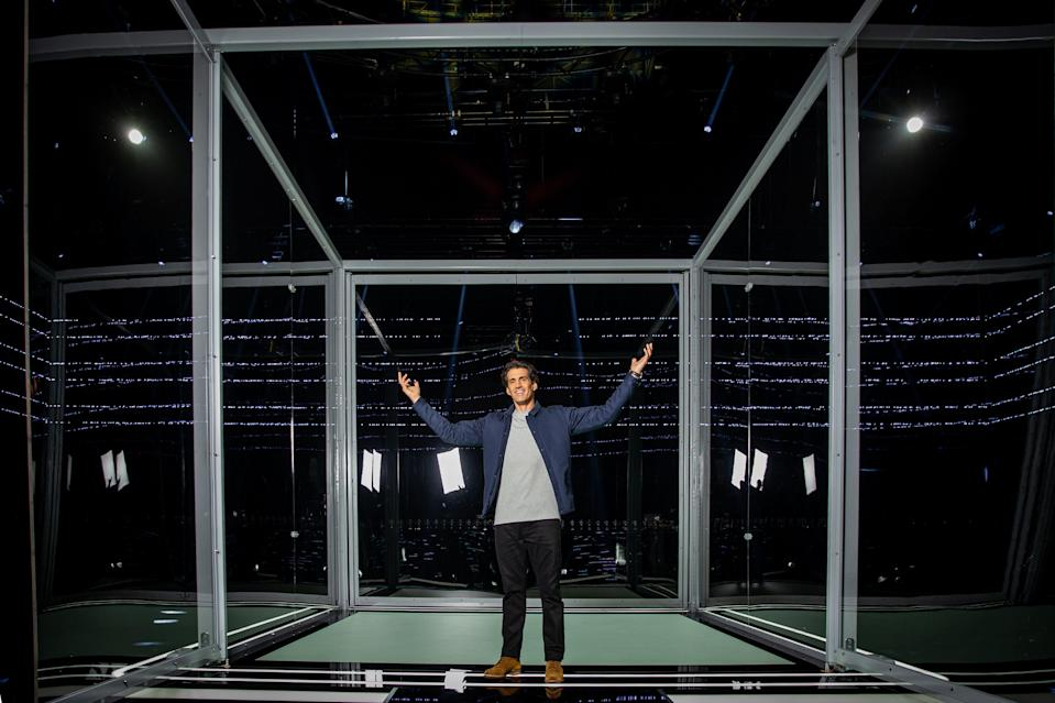 Andy Lee is the host of Australia's new reality TV show 'The Cube'. (Photo: Channel 10)