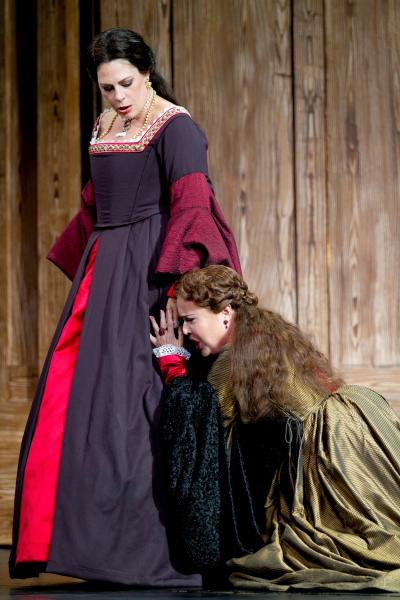 "This undated handout photo provided by the Washington National Opera shows Sondra Radvanovsky as Anne Boleyn, left, and Sonia Ganassi as Jane Seymour in a scene from ""Anna Bolena."" (AP Photo/Scott Suchman, Washington National Opera) Anna Bolena"