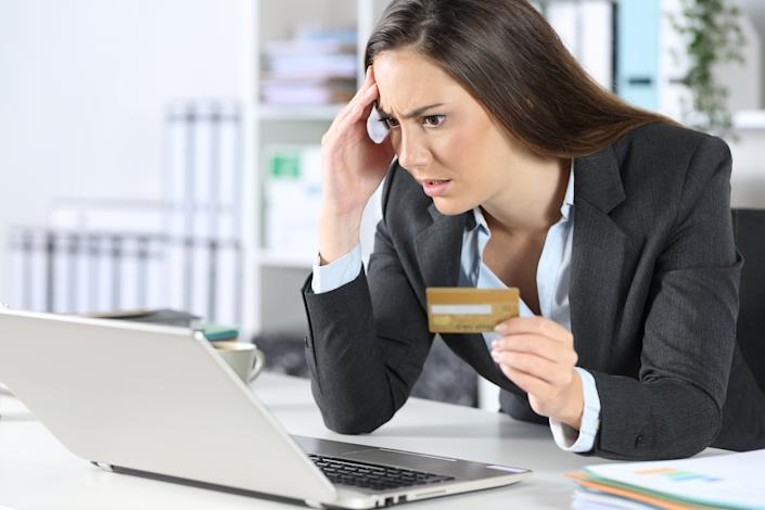 Online shopping scams are everywhere. (Photo: Getty)