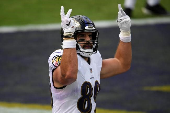 Jackson throws 3 TD passes for Ravens in 38-6 rout of Browns