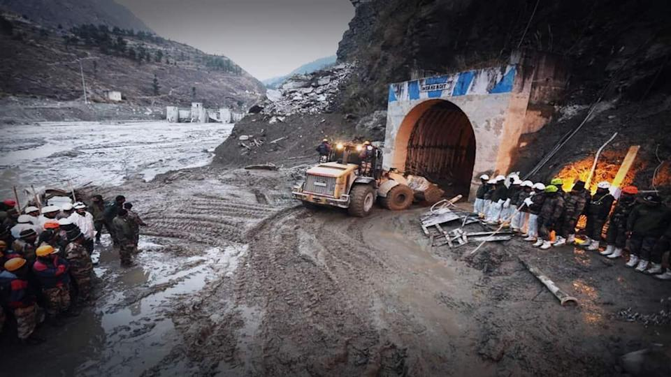 Days after Uttarakhand disaster, rescue personnel  enter Tapovan tunnel