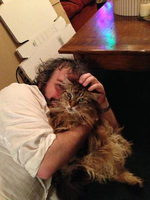 Peter Jackson Celebrates the End of 'The Hobbit' Filming With His Cat, Mr. Smudge