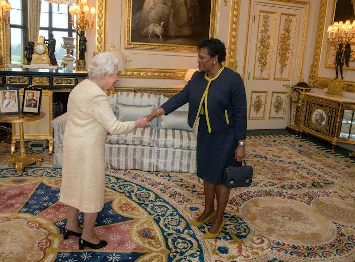 """The Queen receives Governor-General of Barbados Dame Sandra Mason during an audience at Buckingham Palace. <p class=""""copyright"""">Steve Parsons/WPA/Getty Images</p>"""