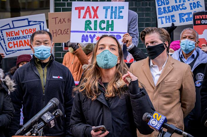 New York state Sen. Julia Salazar (D), the state's first lawmaker backed by the Democratic Socialists of America, was part of a new crop of progressives elected in 2018. (Photo: Erik McGregor/Getty Images)