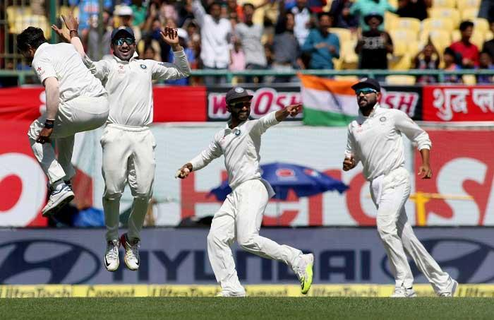 India need 106 runs in 186 overs to win Test series against Australia