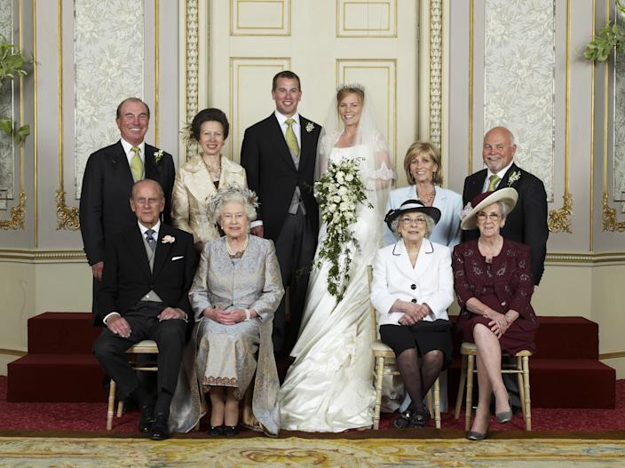WINDSOR, UNITED KINGDOM - MAY 17:  Wedding group of Mr Peter Phillips and Miss Autumn at Frogmore House (seated left to right front row) The Duke of Edinburgh, Queen Elizabeth II, Mrs Ivy Kelly, Mrs Edith McCarthy, (standing left to right) Capt. Mark Phillips, The Princess Royal, Mr Peter Philips, Mrs Peter Phillips, Mrs Kity Kelly, Mr Brian Kelly on May 17, 2008 in Windsor, England.  (Photo by pool/ Anwar Hussein/Getty Images)