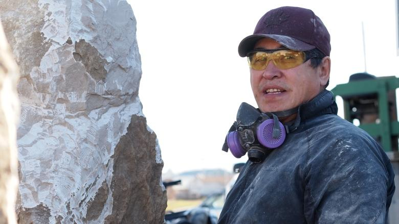 Tuktoyaktuk father claims RCMP used unnecessary force with 15-year-old son