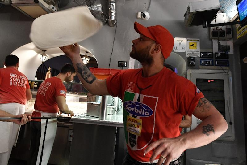 Naples pizza twirling wins coveted UNESCO 'intangible' status - 웹