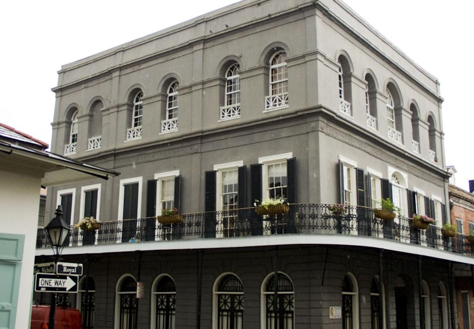 The LaLaurie residence in 1140 Royal Street, New Orleans, photographed in September 2009. (Credit: Dropd/Wikimedia Commons)