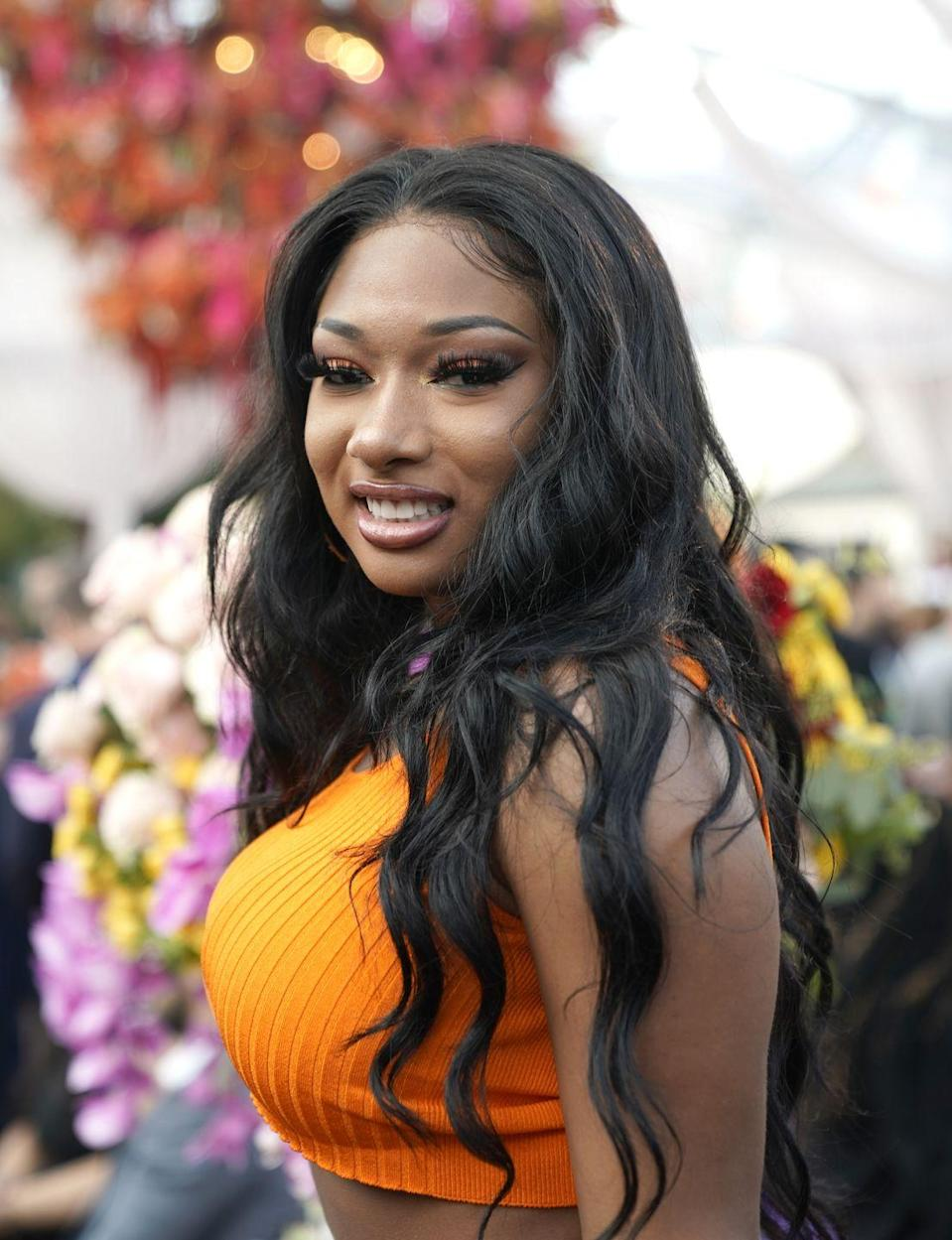<p>The rapper stepped into 2020 with beachy waves and a volumized middle part.</p>