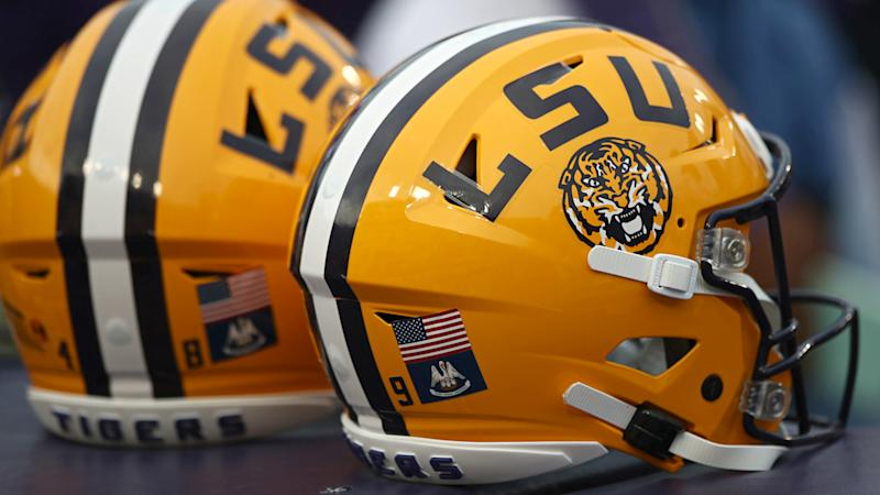 LSU players 'can't breathe' in full-face helmet shields