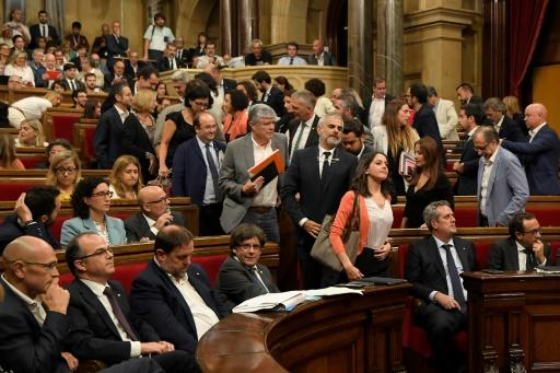 Opposition verlässt Parlament in Barcelona