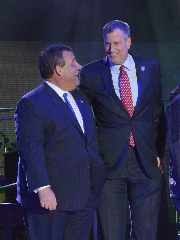 JERSEY CITY, NJ - JANUARY 27:  Governor of New Jersey Chris Christie (L) and New York City Major Bill de Blasio attend the Super Bowl Kickoff Spectacular at Liberty State Park on January 27, 2014 in Jersey City, New Jersey.  (Photo by Mike Coppola/Getty Images)