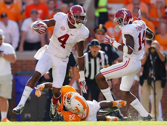 "<a class=""link rapid-noclick-resp"" href=""/ncaaf/players/252265/"" data-ylk=""slk:Deionte Thompson"">Deionte Thompson</a>, right, was one of Alabama's best special teams players in 2016. (Photo by Kevin C. Cox/Getty Images)"