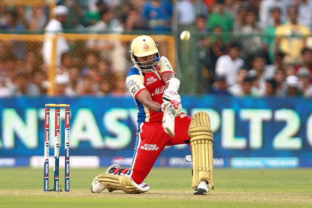 Vinay Kumar hits the first of three sixes in the final over of the RCB innings during match 40 of the Pepsi Indian Premier League ( IPL) 2013  between The Rajasthan Royals and the Royal Challengers Bangalore held at the Sawai Mansingh Stadium in Jaipur on the 29th April 2013. (BCCI)