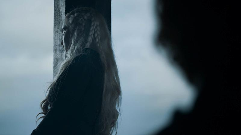 Daenerys (Emilia Clarke) looks distressed in 'Game of Thrones' (Photo: HBO)