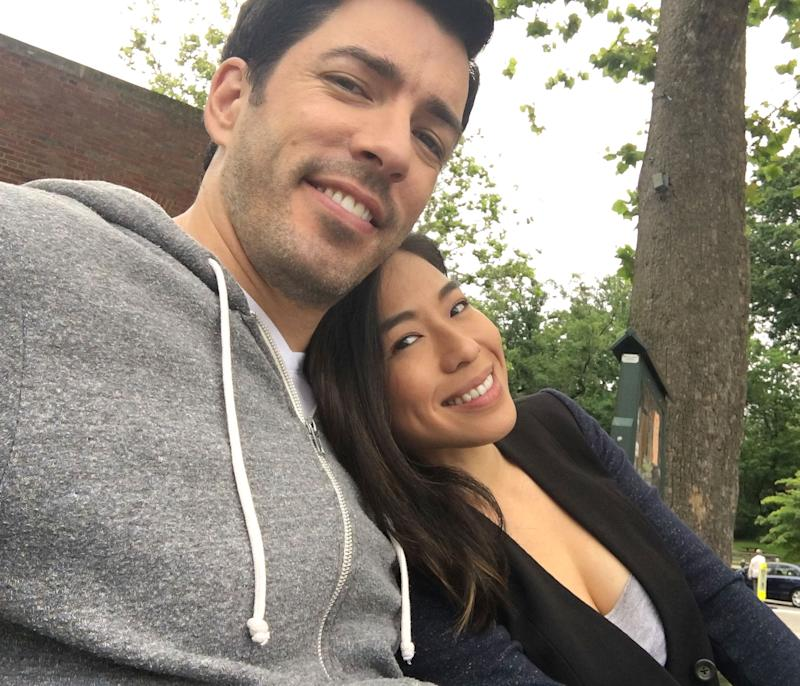 star drew scott is engaged - Where Are The Property Brothers